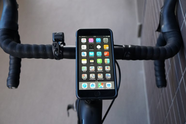Trek Emonda SL6カスタム QuadlockでiPhoneをサイコン化